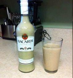 Puerto Rican Coquito Recipe by Dan Reyes – Cookpad ¿Qué es la dieta Paleo, … Christmas Drinks, Holiday Drinks, Fun Drinks, Yummy Drinks, Alcoholic Drinks, Party Drinks, Liquor Drinks, Bomb Drinks, Fun Cocktails
