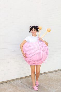 Ball Of Yarn Halloween Costume Easy Halloween Costumes For Women, Cute Costumes, Halloween Diy, Costume Ideas, Most Creative Halloween Costumes, Halloween Inspo, Halloween Carnival, Group Costumes, Halloween 2020