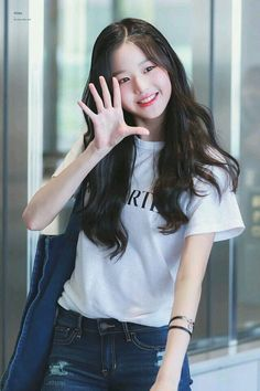(Credits to the real owner/s) Pelo Ulzzang, Mode Ulzzang, Ulzzang Korean Girl, Cute Korean Girl, Cute Asian Girls, Beautiful Asian Girls, Cute Girls, Kpop Girl Groups, Kpop Girls