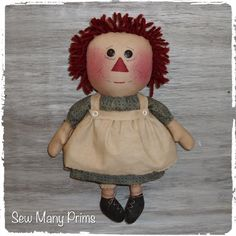 Primitive Raggedy Ann Doll ~ Sew Many Prims pattern model 2 - classic Annie #SewManyPrims