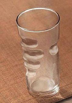 I want a dozen of glasses, please.  Hand print glass.