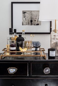 How To Incorporate a Home Office into Your Living Room - Decorative Tray - Ideas of Decorative Tray - Apartment 34 Bar Cart Styling, Bar Cart Decor, Bar Tray, Interior Styling, Interior Design, Decoration Design, Display Design, Bar Furniture, Furniture Update