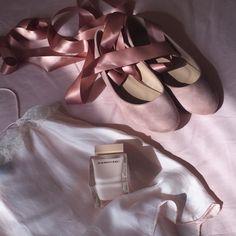 "pivovarovah: "" baby-pink summer looks "" Dusty Pink, Dusty Rose, Pastel Pink, Pink Summer, Soft Summer, Princess Aesthetic, Pink Aesthetic, Cinderella Aesthetic, Pink Brown"