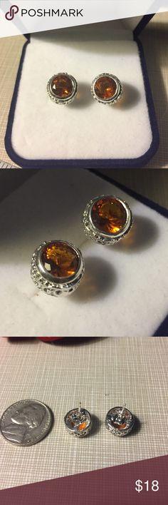Pretty petite whiskey Quartz silver earrings Petite silver whiskey Quartz pierce beautiful silver design faceted very classy NWOT Jewelry Earrings