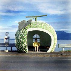 可愛いおとぎ話の世界長崎フルーツバス停巡りの旅