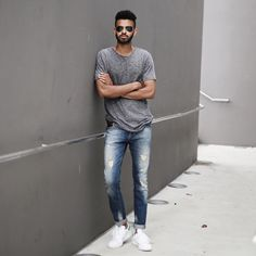 summer outfit ideas: WORN OUT DENIM + MELANGE GREY T SHIRT + BLACK AVIATORS + WHITE SNEAKERS