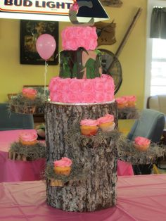Claire's Duck Commander birthday cake, pink and camo ( instead of the army camo in the middle real tree or mossy oak camo ) :)