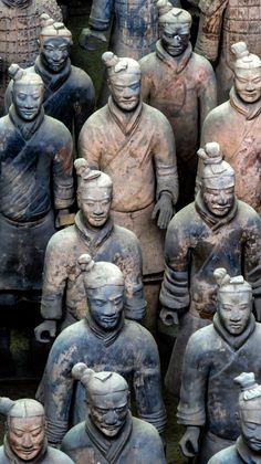 terracotta-warriors-close-up-xian