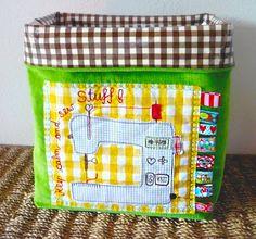 http://www.farbenmix.de/inspiration/wp-content/uploads/2011/12/utensilo.jpg