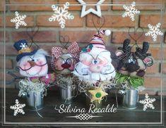 Christmas Crafts, Christmas Decorations, Christmas Ornaments, Holiday Decor, Decoration Originale, Christmas Is Coming, Gnomes, Santa, Halloween