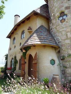 Fairytale house from Nukumorikoubou