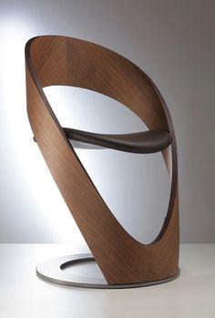 Творческий подход к форме, функциональности и цвету – все это Tube Chairs — современный и элегантный стул от дизайнера Jean-Pierre Martz. Каждый предмет, произведенный Martz Edition, оригинален и проработан до мелочей.