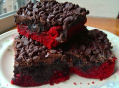 Red Velvet Oreo Truffle Brownie Bars Recipe Is Sinfully Scrumptious | The Stir