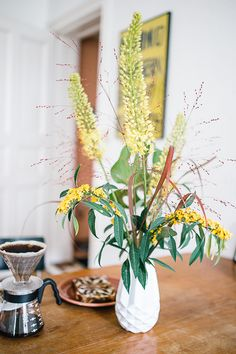seen the vase katsura in a beautiful home on herzundblut.com #inspiration