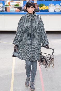 CHANEL Fall-Winter 2014.15 Collection Paris Fashion Week