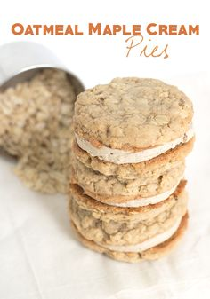 Chewy oatmeal cookies sandwiched together with a delicious maple cream frosting. These oatmeal maple cream pies are a jacked up maple version of those Little Debbies oatmeal cream pies. I loved those Little Debbie pies Cookie Pie, Cookie Desserts, Fun Desserts, Cookie Dough, Cookie Recipes, Delicious Desserts, Maple Dessert Recipes, Baking Cookies, Cookie Ideas