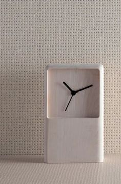 Pico / R. Bouroullec for Mutina Wall Clock Wooden, Wood Clocks, Diy Clock, Wall Clock Design, Wooden Watch, Wooden Crafts, Diy Wood Projects, Home Decor Furniture, Wood Design
