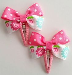hair bows Pink Polka Dot and White Flower Hair Clip, Baby Toddler Girl Hair Clip, Cute Lined Alligator Clip by CzechOutMyBows on Etsy Kids Hair Bows, Baby Hair Clips, Baby Hair Bows, Flower Hair Clips, Handmade Hair Bows, Metal Hair Clips, Boutique Hair Bows, Making Hair Bows, Girls Hair Accessories