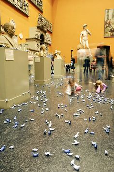 4000 Ceramic Birds Snatched From a Museum - My Modern Metropolis Clay Birds, Ceramic Birds, Art Alevel, Interactive Art, Media Images, Victoria And Albert Museum, Ceramic Artists, Sculpture Art, Sculptures