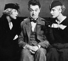 """Stan Laurel in """"Blockheads"""" Talking Film Great Comedies, Classic Comedies, Classic Movies, Laurel Et Hardy, Stan Laurel Oliver Hardy, Golden Age Of Hollywood, Old Hollywood, Hollywood Stars, Vivian Vance"""