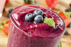 Hyman's 10 Day Detox Diet Whole Food Protein Shake Fruit Smoothies, Pb And J Smoothie, Juice Smoothie, Breakfast Smoothies, Smoothie Drinks, Detox Drinks, Healthy Smoothies, Healthy Drinks, Healthy Eating