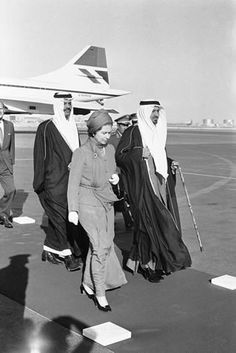 royal    17 February 1979: The Queen becomes the first British sovereign to visit the Middle East. She is pictured with King Khalid of Saudi Arabia after her arrival at Riyadh Airport.