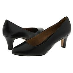 Just bought these shoes online in black.  Here's hoping they fit my awkward feet and are comfortable.