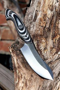 knife making metal Cool Knives, Knives And Swords, Trench Knife, Best Pocket Knife, Pocket Knives, Metal Welding, Knife Handles, Diy Knife Handle, Handmade Knives