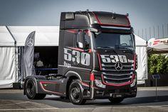 Rassige Zugmaschine zu Ehren der neuesten Mercedes-Benz OM 471-Motorgeneration: Actros-Sondermodell im Carbon-Style – made in Italy - Sternstunde - Mercedes-Fans - Das Magazin für Mercedes-Benz-Enthusiasten