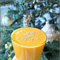 2x #carrot + 2x #orange + 2x #banana + 3x #brazilnut + 150ml #mineralwater + teaspoon of #coconutoil + topped with #sesame #happynewyear #goodstartoftheyear #starttheyearright #vegan #glutenfree #lactosefree #sugarfree #healthy #homemade #lunch #bombawitaminowa #vitaminbomb  #cookair #cookairblog #vscocam #vscopoland #pictureoftheday #instadrink #makecookingeasier #raw #drinkoftheday #koktajl #smoothie