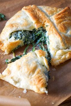Spinach pate with feta and ricotta recipe Elle Republic – Lemon Veggie Recipes, Vegetarian Recipes, Cooking Recipes, Healthy Recipes, Yummy Snacks, Easy Snacks, Yummy Food, Ricotta, Tumblr Food