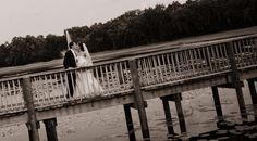TampaPalmsGolfandCountryClub-Tampa-FL-wedding-couple-bridge-560x310.jpg