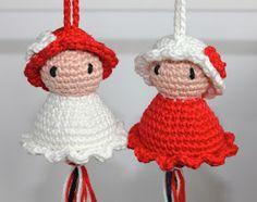 Twee gelukspoppetjes = twee kadootjes voor twee dames. Ik heb voor deze poppetjes het boek Gelukspoppetjes haken van Annemarie Arts ...