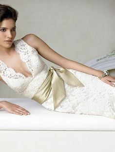 Jim Hjelm - V-Neck Mermaid Gown in Alencon Lace