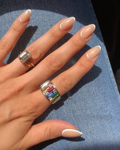 The Manicure Mistakes We're All Guilty Of (And Need To Quit ASAP) Almond Shape Nails, Almond Acrylic Nails, Best Acrylic Nails, Almond Nails, Round Nails, Oval Nails, Chic Nails, Stylish Nails, Classy Nails