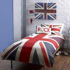 My sons bedding!! He has chosen to have a London themed bedroom, which also works well with his Harry Potter craze that has so far been going for 4 years!!