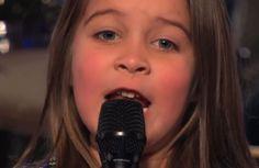 Olha essa menina de 6 anos cantando heavy metal! Hit na internet!