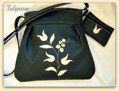 Fekete elegancia táska bézs tulipánokkal+ajándék tárca