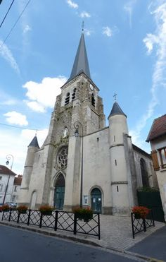 Photos de Jouarre, la Mairie de Jouarre, sa commune et sa ville. Eglise Saint Pierre et Saint Paul