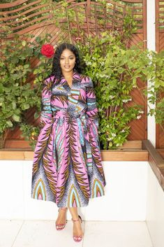 Shop for African midi dresses on We carry wide selection of African style midi dresses for sale at best prices. Best African Dress Designs, Best African Dresses, Latest African Styles, African Attire, African Fashion Dresses, African Design, Wedding Dress With Pockets, Dress Pockets, Mid Length Dresses