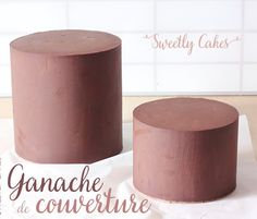 GANACHE POUR UN LISSAGE PARFAIT The cover of a layer cake is crucial, if it is not perfectly executed, nasty defects will still be visible on the finished cake. Food Cakes, Cupcake Cakes, Ganache Frosting, Parfait, Cake & Co, Cake Blog, Orange Recipes, Cake Recipes, Cake Decorating