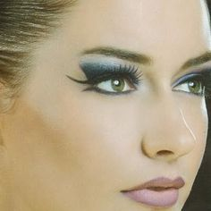 This 8 step makeup tutorial will give you a purple gray smokey eye fit for the pros. Follow this step by step guide to perfect eye makeup for a fun night out.