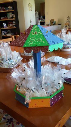 carrusel pintado a mano para mesa de dulces Porta Cupcake, Carousel Party, Ideas Para Fiestas, Candy Bars, Halloween, Babyshower, Party Ideas, Holidays, Country