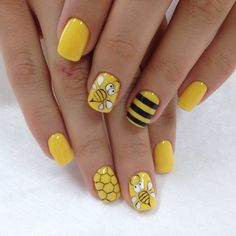 Yellow nail art designs – fashionable or kitchy? Many women are afraid to use these shades for their manicure so we selected some fantastic nail art Yellow Nails Design, Yellow Nail Art, Green Nails, Neon Yellow, Nail Art Jaune, Nail Art Designs, Fruit Nail Art, American Nails, Nagel Gel