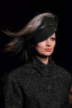 Bette-Franke at Donna-Karan black, hat Bette Franke, Fall Winter 2014, Donna Karan, Headgear, Fashion Show, Fashion Design, Latest Fashion Clothes, Bag Accessories, Chic