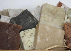 Fazer sabonete dá dinheiro Home Made Soap, Homemade Recipe, Soap Recipes, Coffee Soap, Homemade Soap Bars, Cleaning Hacks