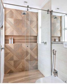 A imagem pode conter: área interna Bathroom Design Luxury, Bathroom Design Small, Bad Inspiration, Bathroom Inspiration, Bad Styling, Toilet Design, Bathroom Styling, Bathroom Renovations, Interiores Design