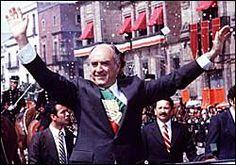 Exageró el populismo y el afán paternal.