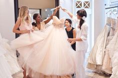 4 Wedding Dress-Shopping Etiquette Rules Every Bride Should Follow | Brides.com
