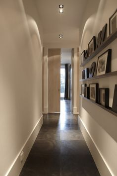Great for a small hallway Interior Architecture, Interior And Exterior, Amsterdam Apartment, Interior Styling, Interior Design, Unique Flooring, Small Hallways, Entry Hallway, Living Styles